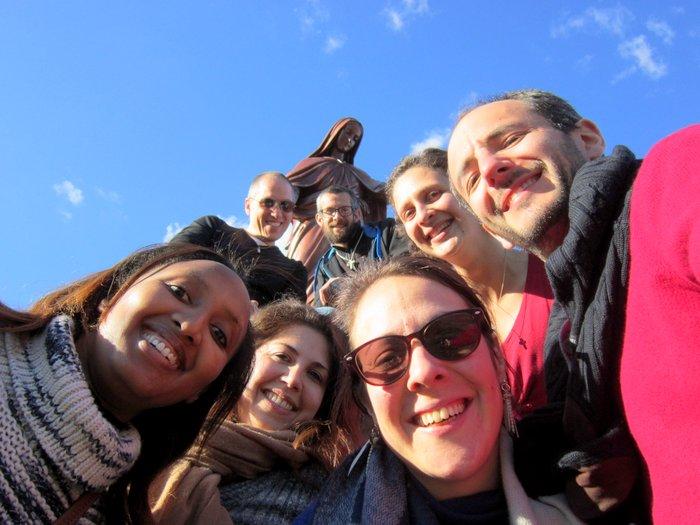 Quelques membres de l'équipe... avec la sainte Vierge tout en haut ;-)