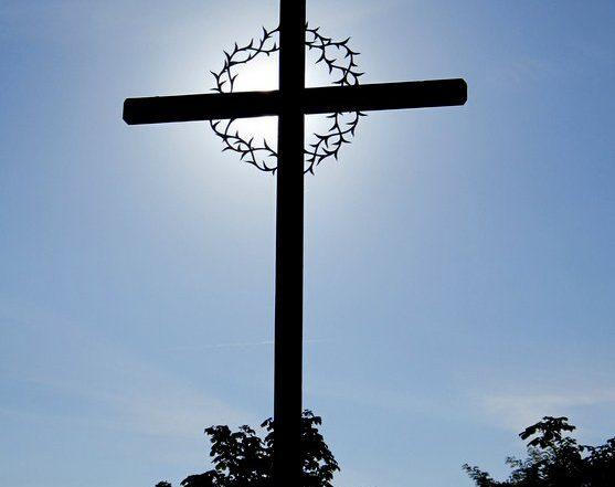 Crucifix et christ crucifie a Notre-Dame du Laus chapelle du précieux sang