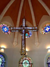 Christ en croix : apparitions à la chapelle du pecieux sang